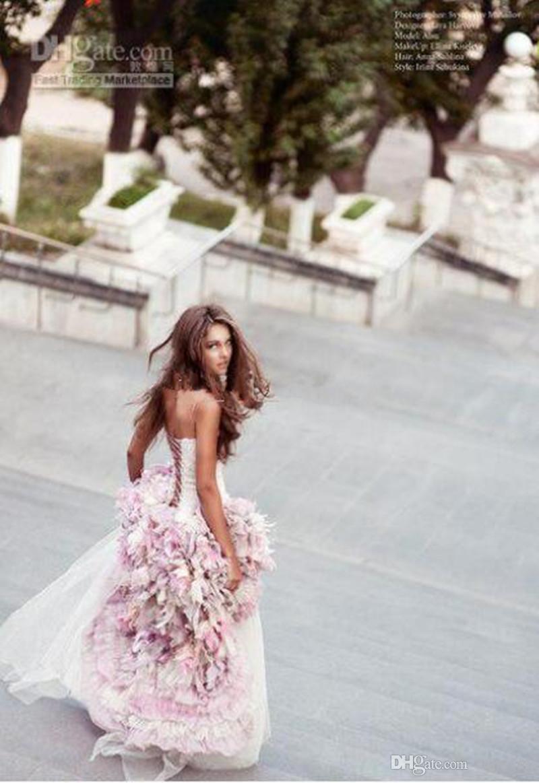 2019 Nova Praia Vestidos de Casamento Frente Frente E Longo de Volta Uma Linha Com Flores Artesanais 3D Ao Redor de Tule Hi-Lo Colorido Vestidos de Noiva 2017