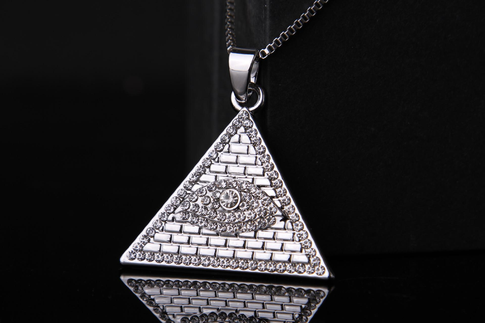 Hip Hop Jewelry Stailess Steel Triangle Shape Ancient Egyptian Eye of Horus Pendant Necklace Gold Plated with Free Chain