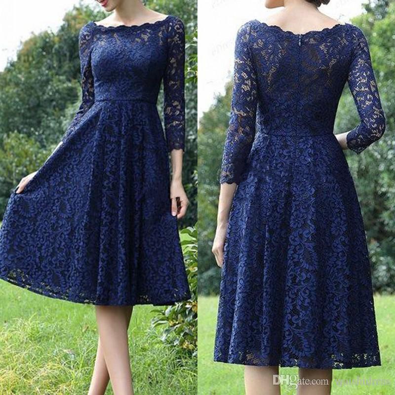 Elegante lunghezza al ginocchio a-line Royal Blue Lace abiti da damigella d'onore Bateau 3/4 maniche lunghe Wedding Party Dress Cheap