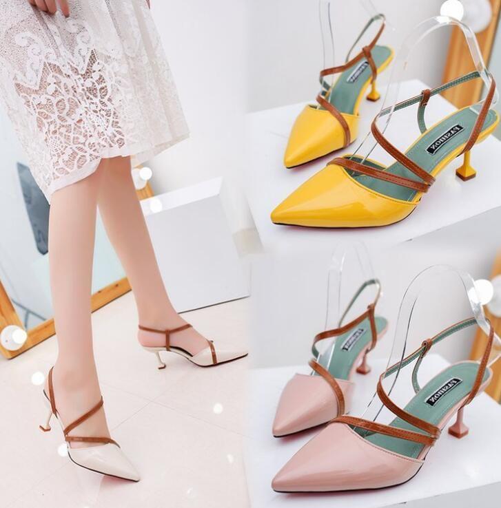 Sandálias de salto alto quadriculadas Salto alto apontadas para a cabeça Sapato simples raso Novas e finas sandálias de salto para senhora