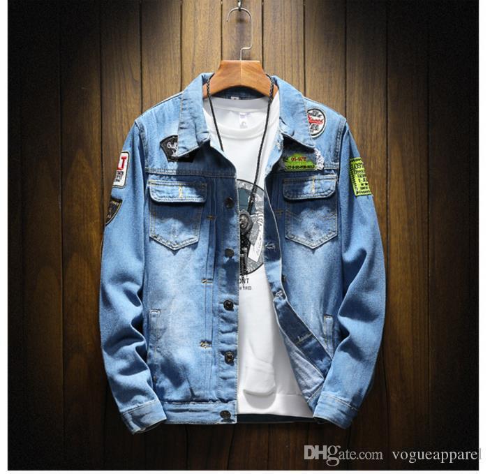 8f983f855 Compre Mens Roupas Vintage Jaqueta Jeans Buracos Azuis Emblemas Patch Jeans  Plus Size 4XL 5XL Casaco Barato Online De Vogueapparel