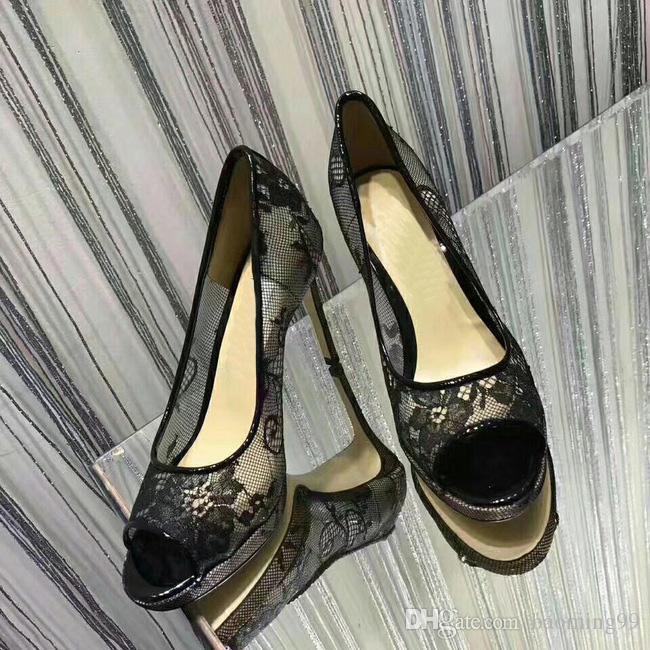 Mais novo Lace Oco Out Flor Plataforma Bombas Mulheres Sandálias Sexy de Salto Alto Peep toes Sapatas Das Senhoras Elegante sapato banquete preto Sandálias da mulher