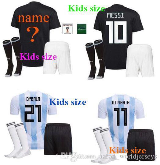 a184368226 Compre Camisetas De Futbol Mundo Das Crianças Remendo 2018 Sergio Aguero 19 Lionel  Messi Juventude Parche Argentina Remendos Meninos Camisas De Futebol De ...