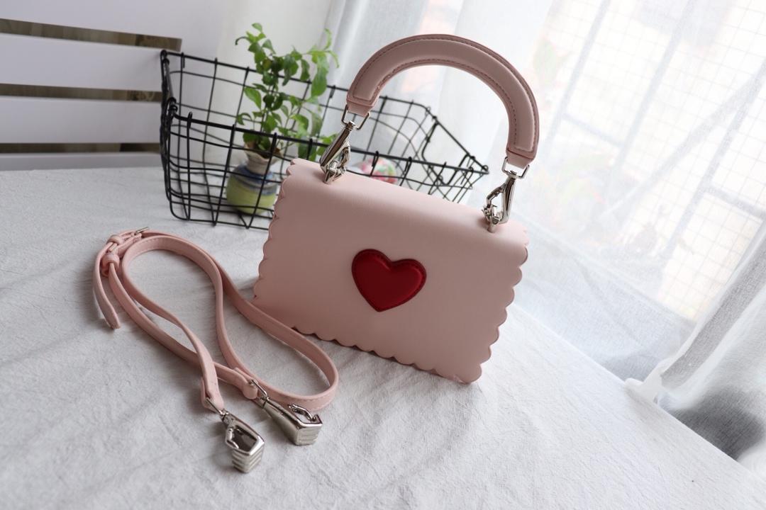 e1042620b2ed Handbag Mini Cute Heart Shape Small Shoulder Bag Pink For Girls Handbags  Women Fashion Handbags Shoulder Bag Discount Designer Handbags Designer  Handbags On ...
