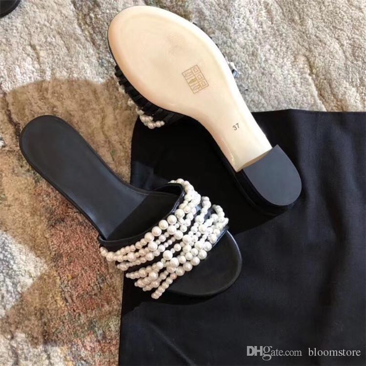 Acquista Pantofole Piatte Donna Con Borchie Nere Perle Bianche Pantofole  Scarpe Casual Nere Donna i Sandali Con Infradito Peep Flop Scatola  Originale A ... ec9c1754d4d