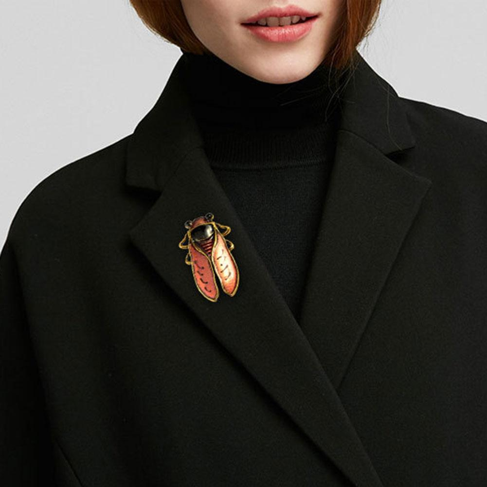 Insect Pink Beetle Brooches Antique Gold Metal Cicada Female Badge Broche  Lapel Pin for Fans Collect Wholesale
