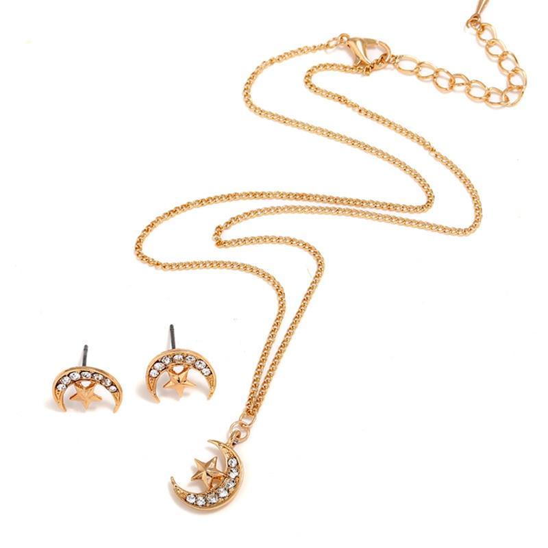 80bce1a947a0 Compre 3 Unids   Set Conjunto De Joyas De Cristal Dorado Color De La Luna  Collar De Oro Pendiente De La Joyería Conjuntos Pendientes Para Las Mujeres  Aretes ...