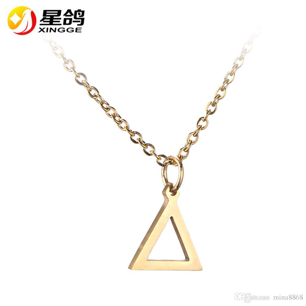 d0b7ce733 Compre Plata / Oro De Acero Inoxidable Collares Geométricos Triángulo  Colgante Collar Para Hombres Y Mujeres Aficionados Regalo De Recuerdo A  $0.81 Del ...