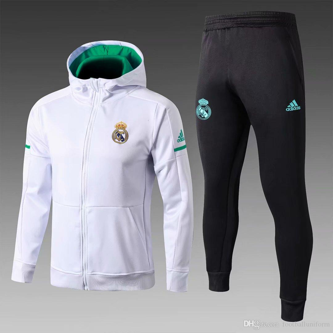 14a240f594566 Compre Chaqueta Blanca Con Capucha Del Real Madrid 2018 Con Gorra Ropa  Deportiva De Entrenamiento De Camiseta De Fútbol 2018 A  40.61 Del  Footballuniform ...