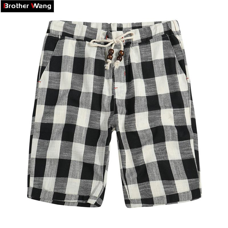 5e6acb37b7 Brother Wang Brand 2018 Summer New Men's Shorts Fashionable Casual Bermuda  Plaid Shorts Pure Coon Straight Loose Beach Shorts
