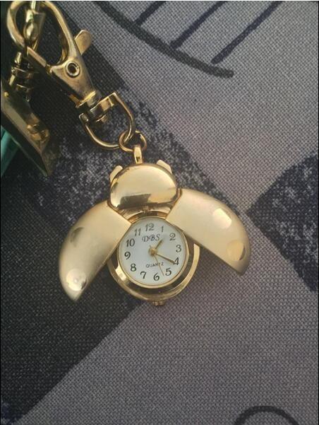Coccinella tasca tasca tasto anello mini pendente orologio orologio orologio con scarabeo Golden Beetle Lady Bug Bag Dial Quartz analogico Pocket Orologi Gold Wings Aragosta Clip tasti