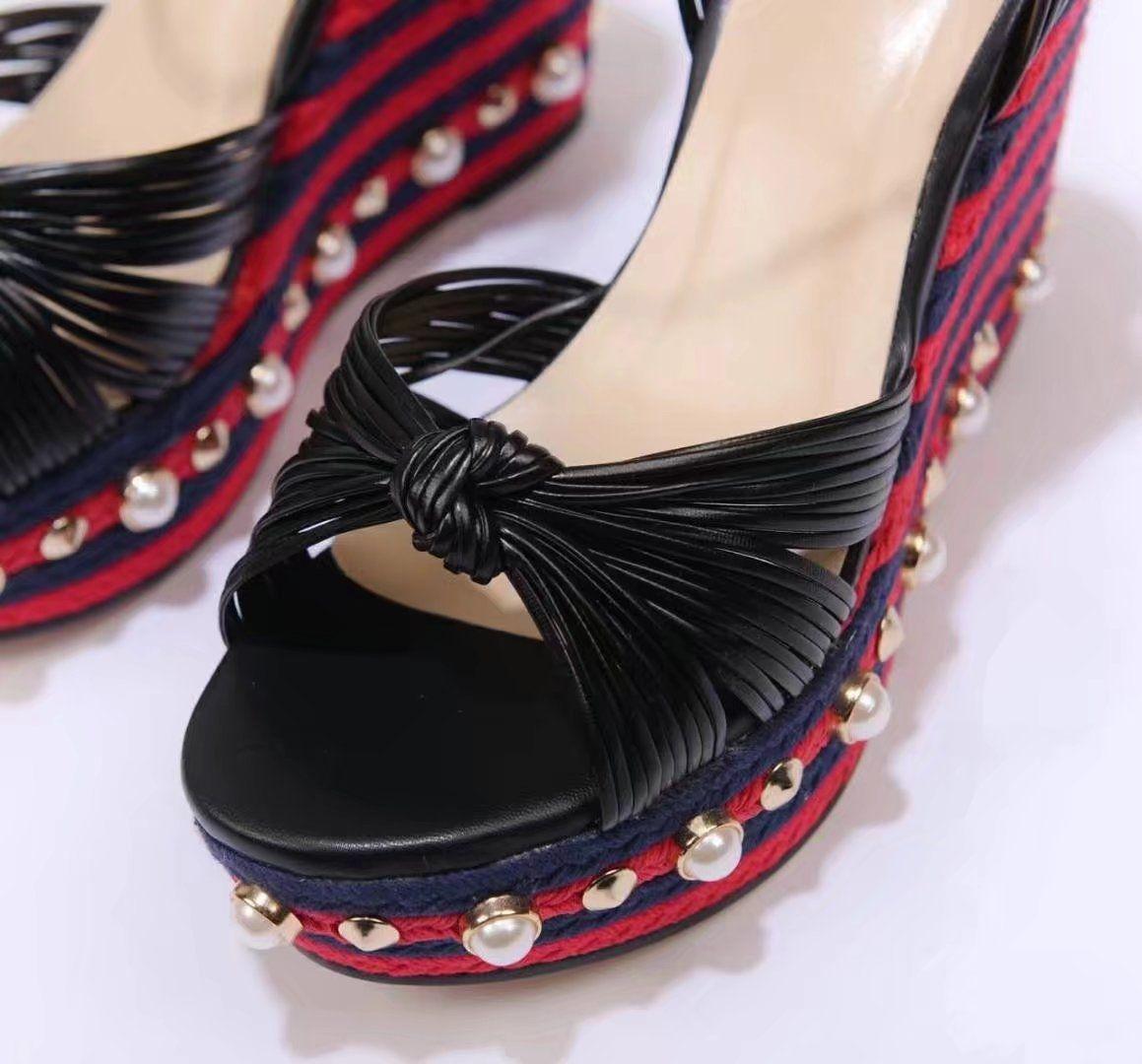 Bleu Pourpre Or Noir Rouge Femmes Wedged Sandales Plateformes Tricotées Femme Casual Sandales Mode Talons Hauts Talons Goujons Perles Sandales Mujer