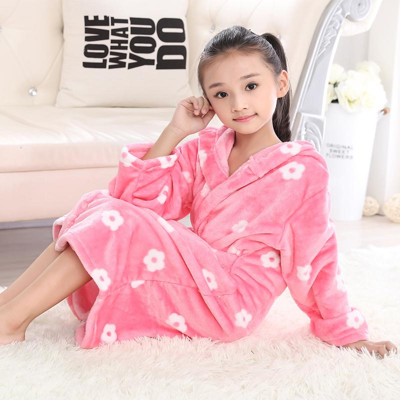 3fc076eae2fd1 Autumn Winter Kids Robes Flannel Teenage Bathgrowns Bathrobes Warm Silk  Flower Girl Robes Children Pajamas Baby Soft Sleepwear Cheap Girls Pjs  Little Girl ...