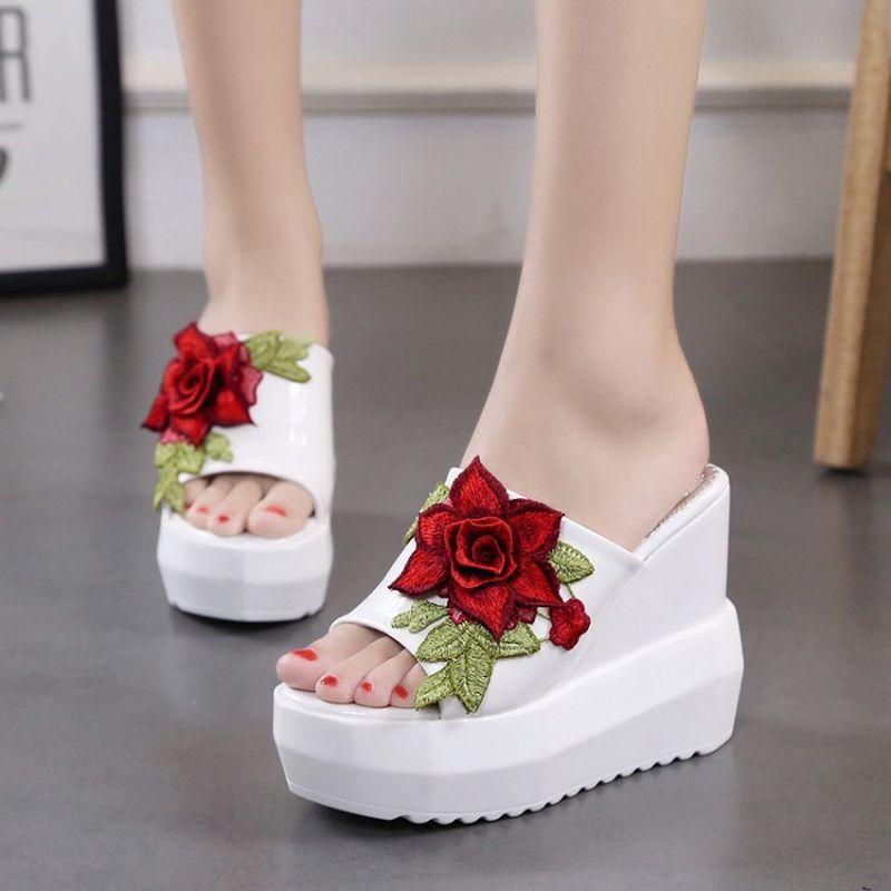 8703472adcb0 2018 Women Sandals Embroidery Flower Summer Slipper Indoor Outdoor Flip  Flops Beach Shoes Women Fashion Slippers Ladies Shoes Jesus Sandals Black  Wedges ...