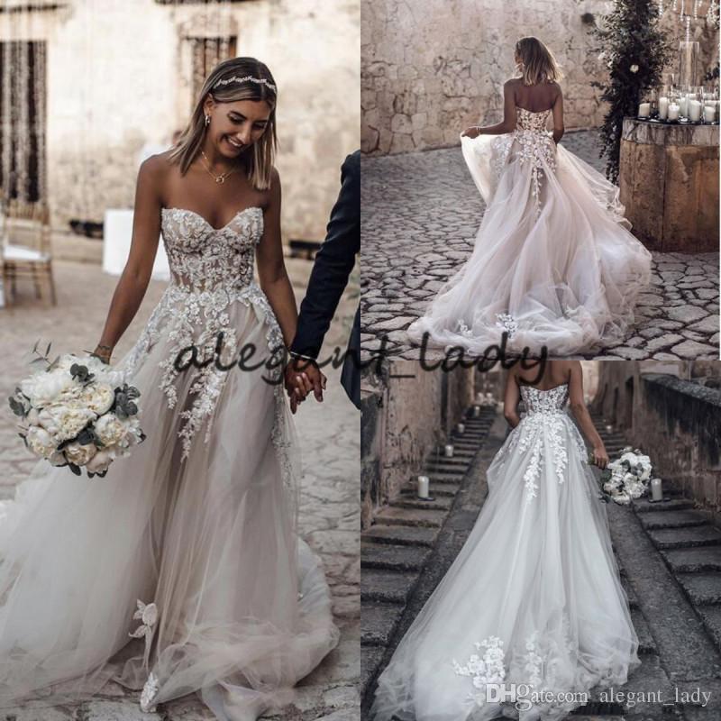 1a6232af Vestidos de novia de playa 2019 con escote en v floral con gradas en 3D Sin  respaldo Más del tamaño Elegante Garden Country boho Vestidos de boda ...