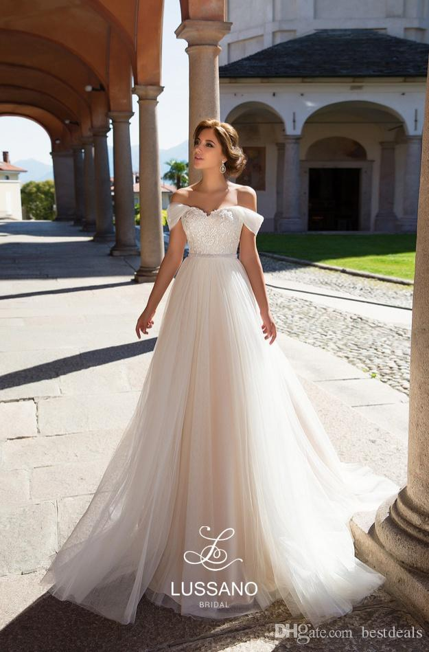 Simple Elegant Light Champagne Tulle Beach Wedding Dresses 2020 Off Shoulders Lace Appliques Corset Back Bridal Gowns Custom Made