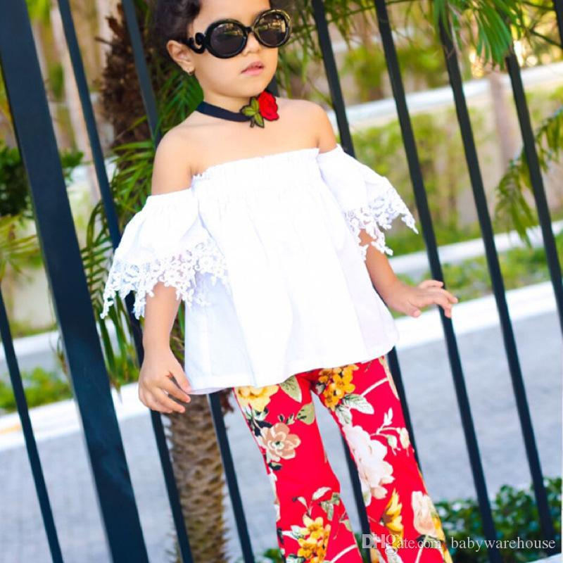 الاطفال ملابس للبنات 2018 أزياء اطفال بنات ملابس بيضاء الدانتيل قبالة الكتف قمم الطباعة الأزهار جرس القيعان السراويل الطويلة ملابس الأطفال