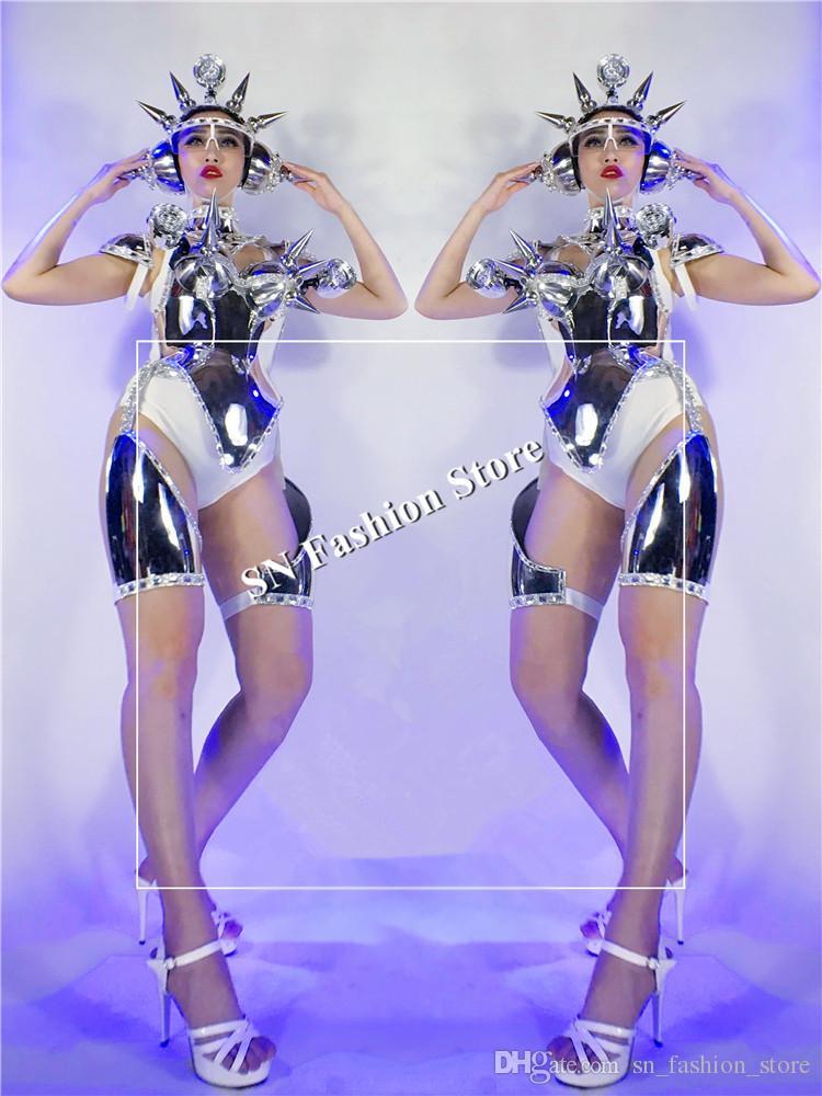 DC40 danse de salon led costumes légers femmes robot spectacle sur scène porte une robe casque argent miroir défilé performance vêtement dj bar discothèque