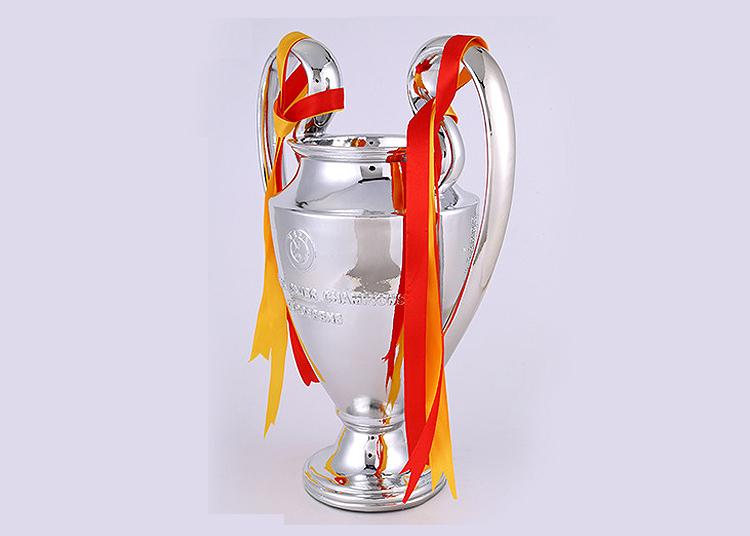 7c500912945 2019 2018 New European Soccer Club Super Champions League Trophy Cup Replica  Fantasy Football Fans Lembrancinha Trofeos De Futbol From Metaltrophy
