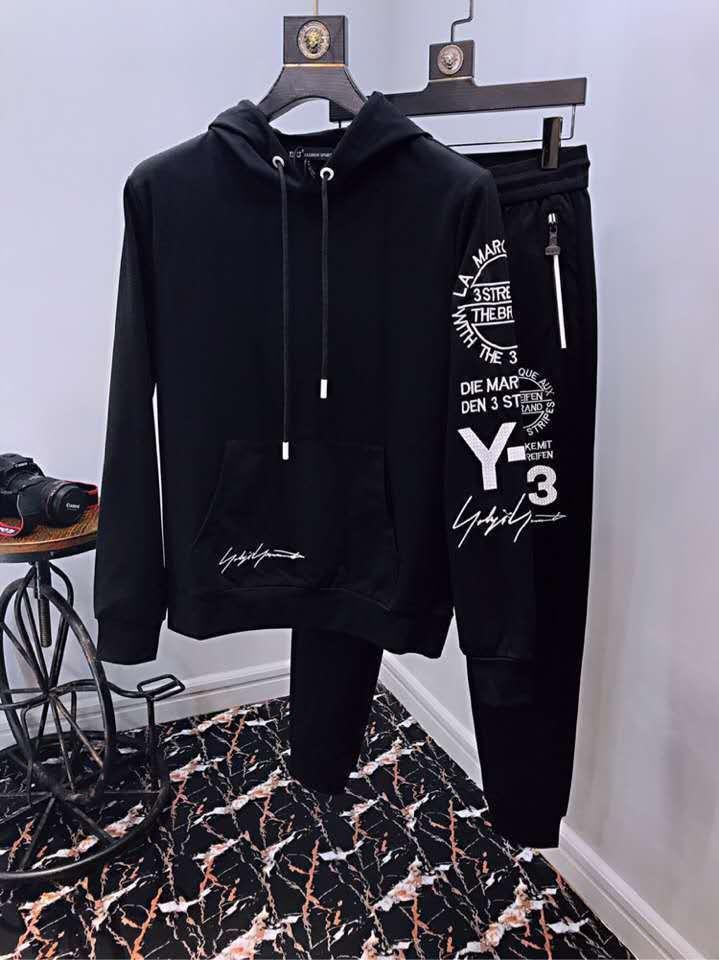 Compre Outono Dos Homens 2018 Nova Camisola Terno Moda Casual Com Capuz  Sportswear Two Piece Suit18808 De Momo2 fc600291a2711