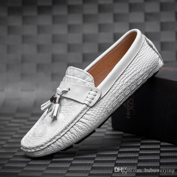 Set foot wedding dress men's shoes European and American style business work leather casual men's shoes. Big size38-44c1