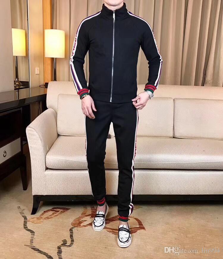 Compre Alta Calidad Marca 2018 Nuevo Diseñador De Moda Hombres Medusa  Sudaderas Conjuntos Chaqueta Pantalones Sudadera Chándal Sudor Trajes Para  Hombre ... d75906d311a
