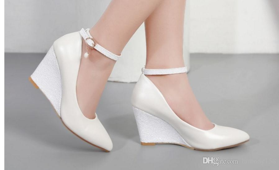 Free send Hot 2018 spring new low heels Single shoes woman Shallow mouth pointed end shoes free shipping fashionable Aaxsk4o