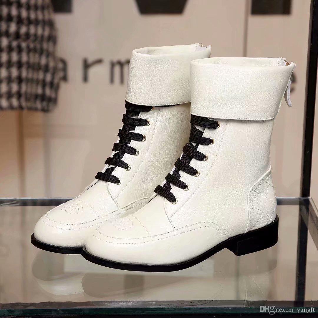 511bd4103ba Compre Botas Novas Das Mulheres Com Cadarços E Zíper Sapatos Femininos De  Moda De Salto Baixo Com Spliced superior Designer De Sapatos Femininos Da  Marca ...