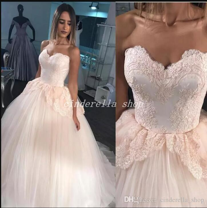2018 New Pink Ballkleid Quinceanera Kleider Sweet Heart Sweep Zug Applikationen Prom Party Abendkleider Für Süße 15 Vestidos De 15 Anos