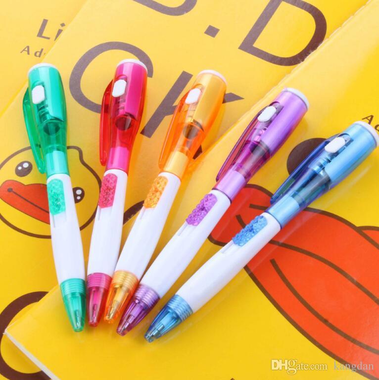 Artigos de papelaria do escritório criativo com nova lanterna multi-função caneta esferográfica material de escritório da escola caneta piscando led iluminado até canetas de escrita