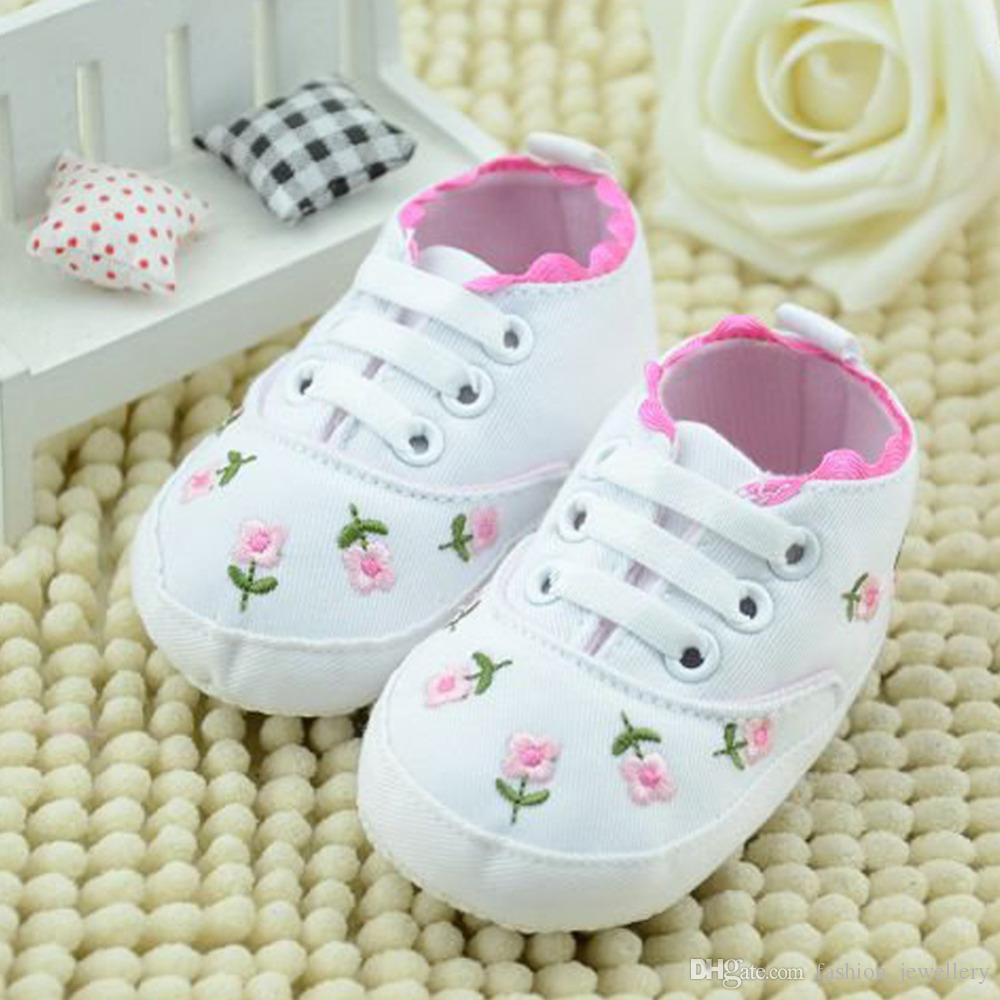 Baby Mädchen Schuhe Weiße Spitze Blumen Gestickte Weiche Schuhe Prewalker Walking Kleinkind Kinder Schuhe / 10 stücke