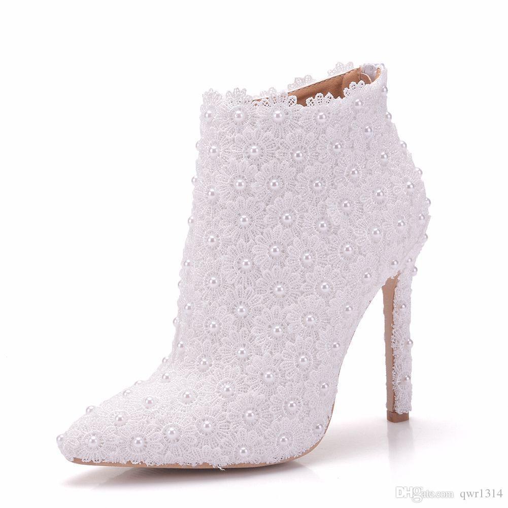 Kadınlar için yeni sivri burun ayakkabı beyaz inciler topuklu düğün ayakkabı ince topuk moda çizmeler dantel çiçekler Artı Boyutu Gelin ...