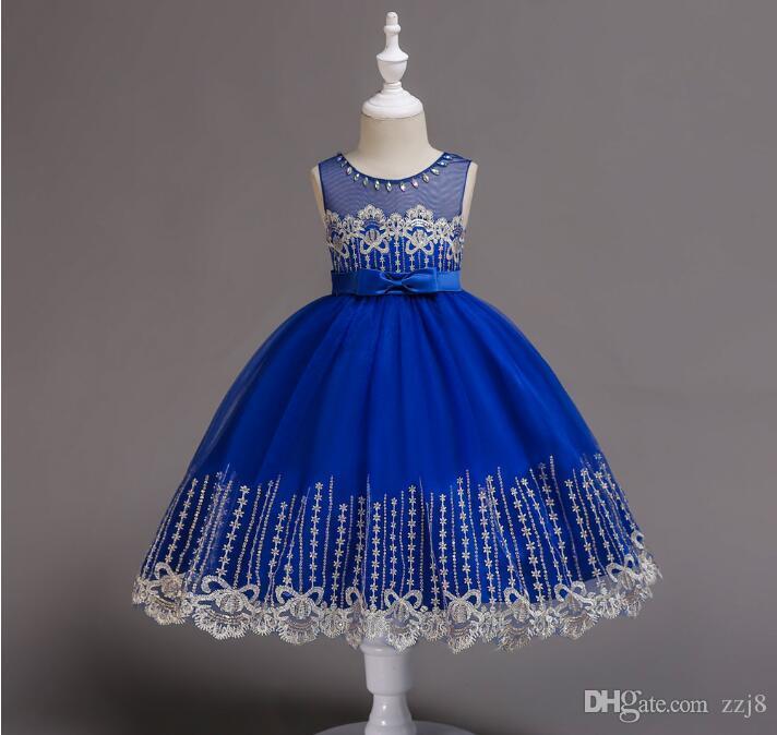 b0c265d4e Vestido de lentejuelas para niñas Bordado de lentejuelas Bordado Hem  Crystal Diseños de cuello Vestido de hilo Regalo de Navidad para niños de 1  a ...