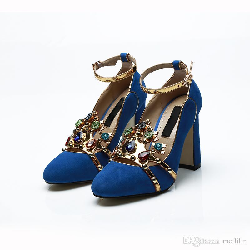 7f10669d2 Compre Novo Cristal Chunky Sapatos De Salto Alto Mulheres Jóias De Luxo  Coroa Mulheres Bombas De Lantejoulas Criança Camurça Strass Sapatos De  Banquete De ...