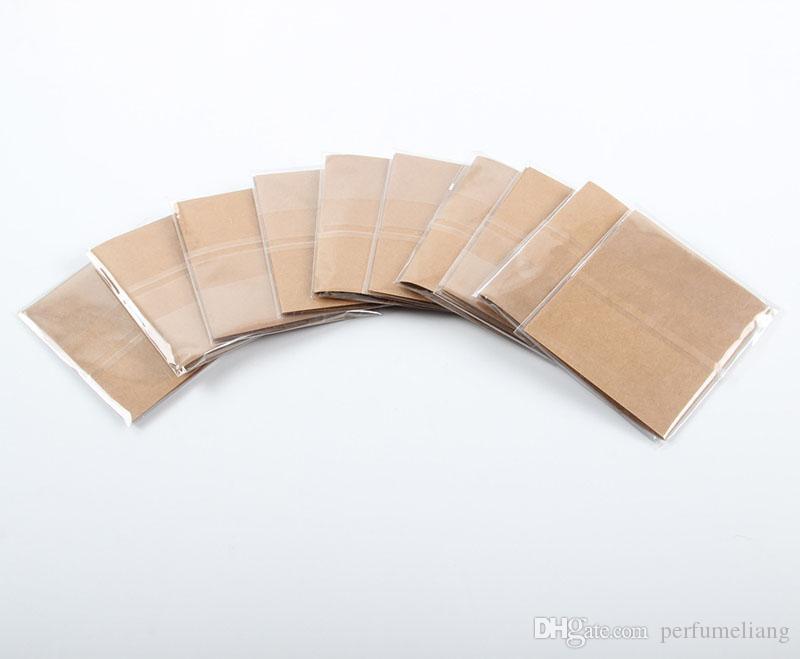 Le carte del posto del tavolo di nome dell'ospite del partito dell'annata con i numeri di tabella rustici di nozze decorano il trasporto libero ZA6576