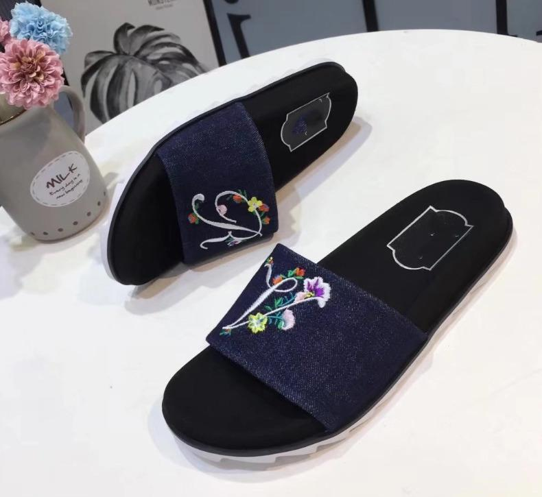 81fbdb681b62 2018 New Fashion Color Slipper Slide Ladies Indoor Embroidery Women ...