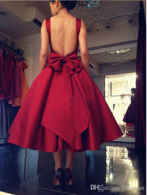 Tea Length Red Prom Dresses Sexy Open Back Short Party Gowns Square Neck Evening Party Dresses with Back Bow Satin Graduation Dresses Cheap