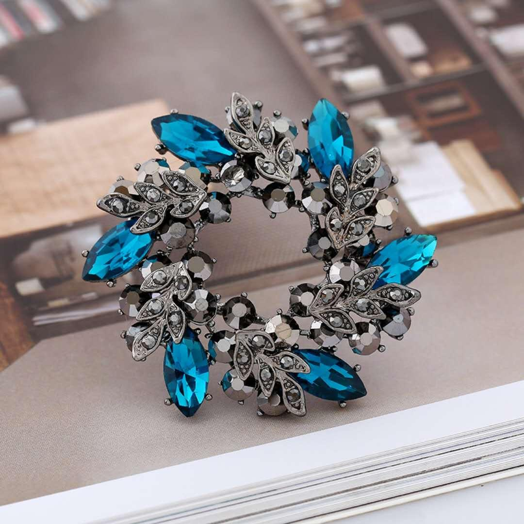 c086a62976 2018 new trend crystal bauhinia brooch women's banquet dress brooch pin  jewelry clothing accessories fashion jewelry