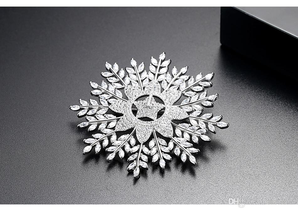LUOTEEMI Trendy New White Gold Color Big Snowflack With CZ Crystal Star Brooch Pins For Women Girl Flower Brooch Jewellery Gift