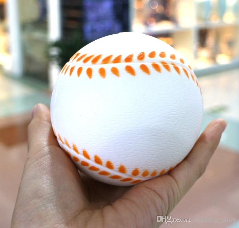 Kawii Squishy Futbol Futbol Voleybol Decompressoin Oyuncaklar Sevimli PU Yumuşak Sıkmak Yavaş Yükselen Telefonu Sapanlar Kolye Spor Top Eğlenceli Çocuk Oyuncak Yeni