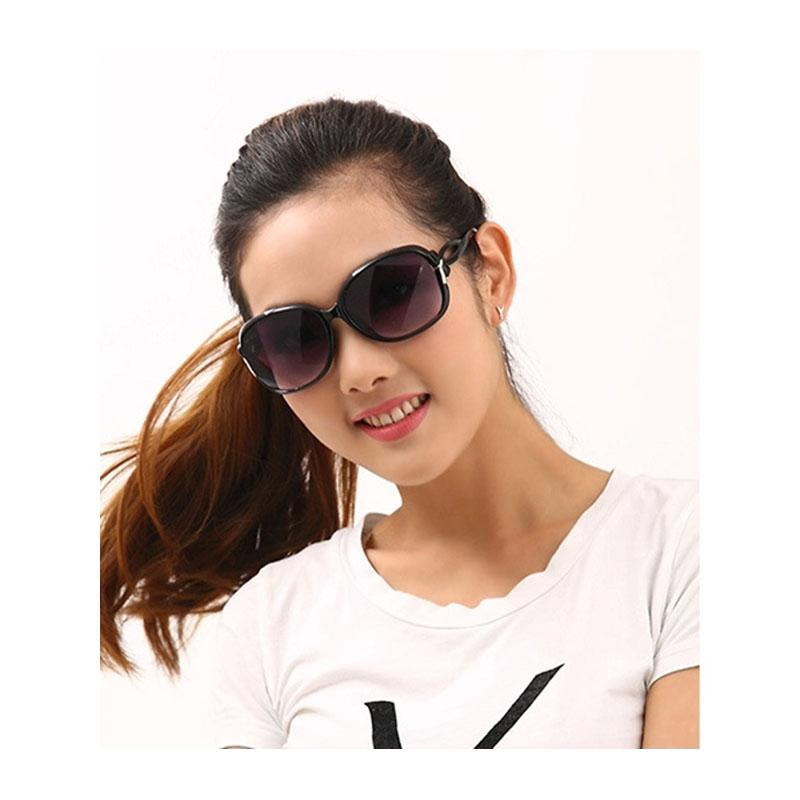 f10e83d8b1879 Compre 2018 Novo Estilo De Moda Mulher Bonita Óculos De Sol Designer De  Marca De Luxo Retro Senhoras De Grandes Dimensões Óculos De Sol Das  Mulheres K9501 ...