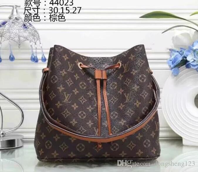 5787c114014c0 2017- New Hot Sell Women Classic Shoulder Bag Fashion Famous Brand Handbags  Totes Ms Package Online with $41.92/Piece on Dongsheng123's Store    DHgate.com