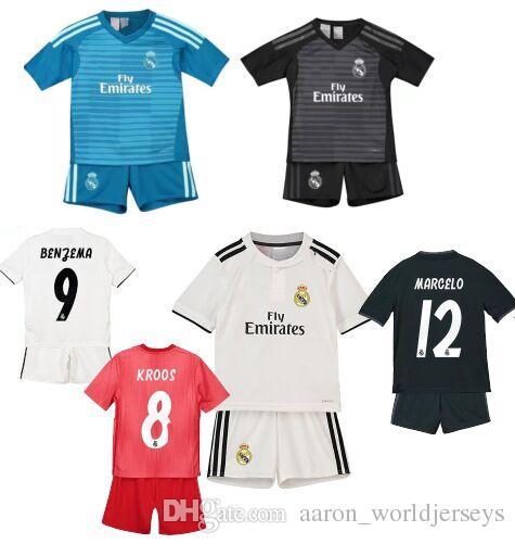 Compre Camisetas De Real Madrid Infantiles 2018 2019 Chandal Equipaciones  De Fútbol Jerseys Keylor Navas Realmadrid ISCO Futbol BALE Kits De Fútbol 18  19 A ... dc7f70552df58