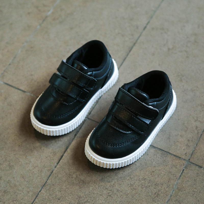 f46268240a2 Compre Niños Zapatillas Niños Zapatos Niñas Entrenadores Niños Zapatos De  Cuero Blanco Negro Escuela Rosa Informal Zapato Flexible Única Moda A  $25.94 Del ...