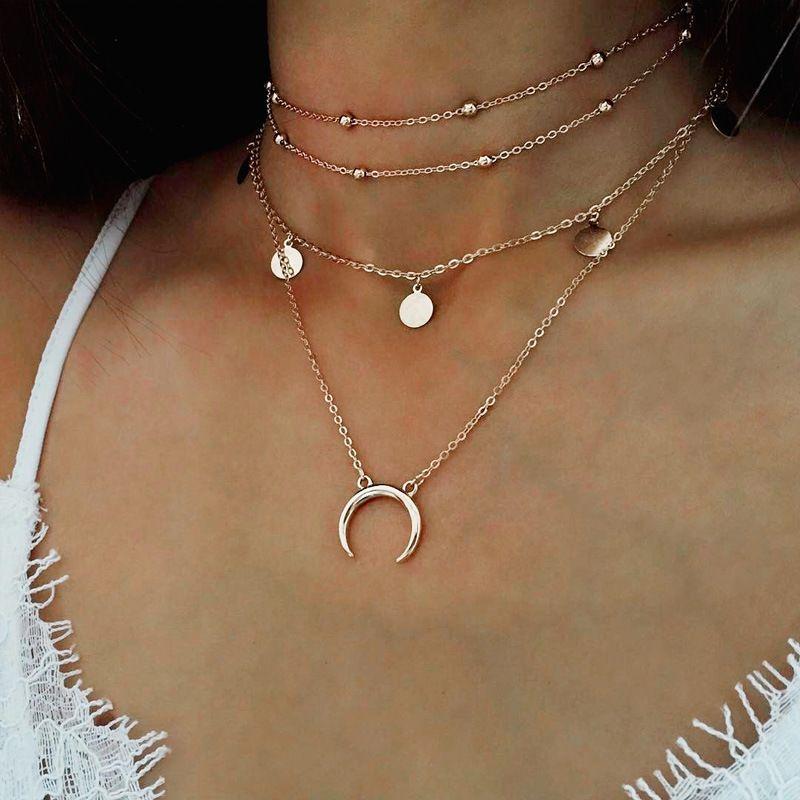 29ba87cfa639 Compre Collar De Gargantilla De Collar Europeo Y Estadounidense Luna  Redonda Colgante Collar De Bola De Múltiples Capas Collares De Joyería  Colgantes Colar ...
