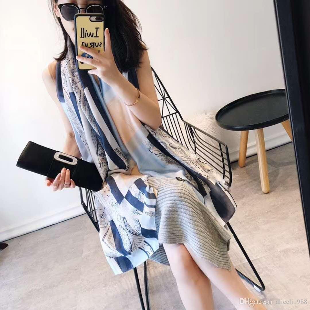 Acheter 2018 Femmes Nouvelle Mode Écharpe Écharpe Marque De Luxe Écharpes  20 De  18.1 Du Aliceli1988   Dhgate.Com 5f9de31ec84