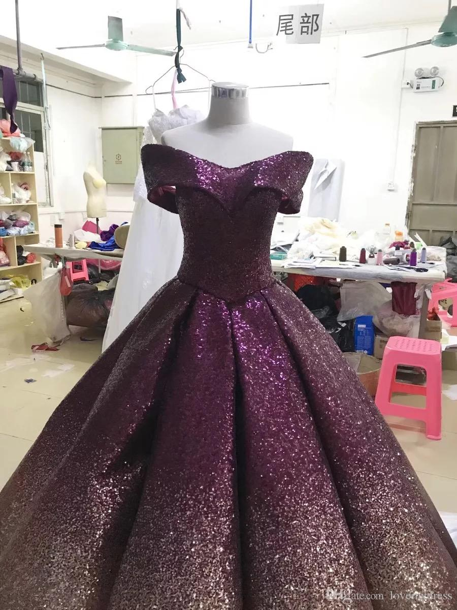 Superbe Marine d'or de bal robes de soirée 2020 Robe pailletée avec manches courtes Gradient Ombre Designer Robes balle pour les femmes Pageant formelle