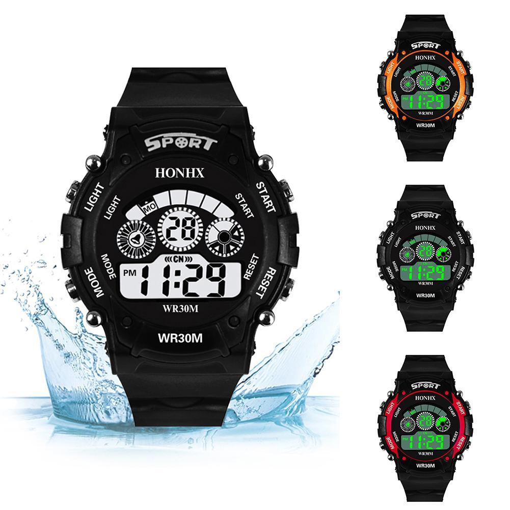 22573f0d2f55 Compre Moda Deporte Hombres Reloj De Alarma De Luz De Fondo Fecha Digital  Reloj De Pulsera Al Aire Libre Para Hombres Regalo A  19.56 Del Chuhuaiking  ...
