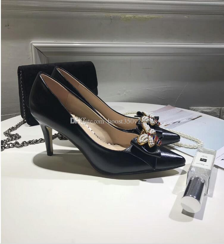 Marca mulheres de couro mid-heel bomba com arco com metal abelha dedo do pé vermelho e preto cor branca 70mm e 50mm salto mulheres bomba de sapatos de casamento