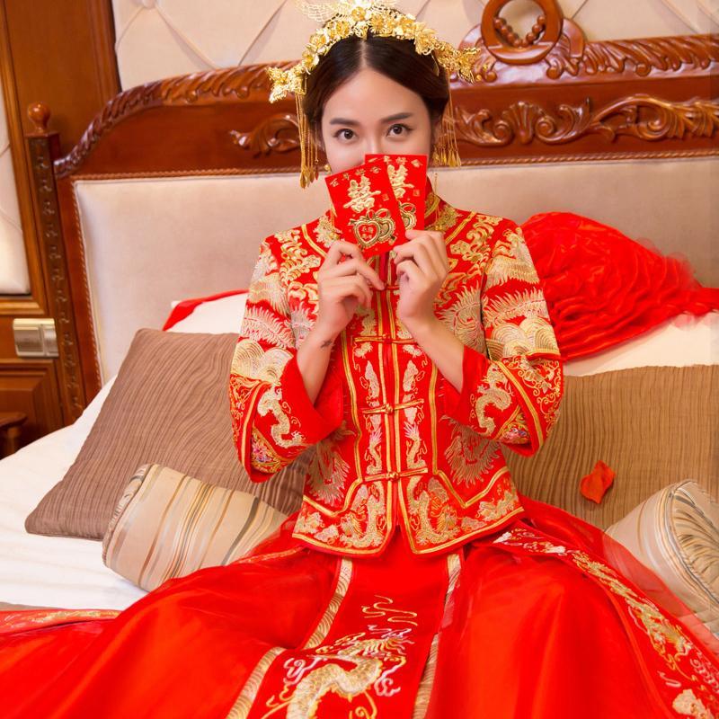 b2a28be70700 Acquista Abito Da Sposa In Stile Tradizionale Costume In Stile Cinese  Phoenix Cheongsam Abiti Da Ricamo Luxury Antico Abito Royal Red Qipao A   138.94 Dal ...